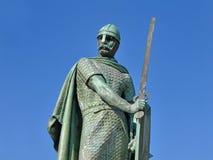 Statua del primo re del Portogallo, Dom Afonso Henriques a Guimaraes, Portogallo Fotografia Stock Libera da Diritti