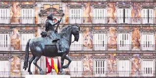 Statua del re Philips III, sindaco della plaza, Madrid. immagine stock
