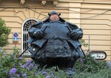 Statua del samurai del guardiano da Matteo Pugliese, ` Antonino Square, Sorrento di Sant immagini stock