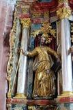 Statua del san sull'altare in chiesa della nostra signora di neve in Kamensko, Croazia Fotografia Stock Libera da Diritti