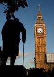 Statua del Winston Churchill e del grande Ben al tramonto Fotografie Stock Libere da Diritti