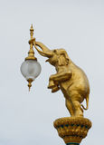 Statua dell'elefante della lampada immagini stock libere da diritti