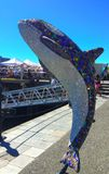 Statua dell'orca di Millenial a Victoria Harbour, BC Fotografie Stock Libere da Diritti