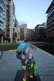 Statua dell'orso di Paddington a Londra in Maida Vale Fotografia Stock Libera da Diritti