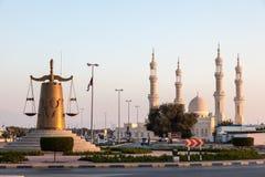 Statua della bilancia della giustizia in Ras Al Khaimah Fotografia Stock
