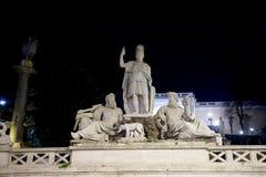 Statua della dea Dea Roma, la dea di Roma a Piazza del Popolo, Roma, Italia Immagine Stock Libera da Diritti