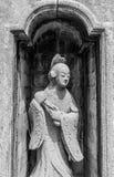 Statua della donna cinese in tempio tailandese fotografie stock