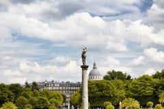 Statua della donna con le nuvole Immagine Stock Libera da Diritti