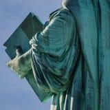Statua della fine di Liberty Tablet su Immagini Stock Libere da Diritti