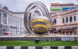 Statua della fontana della rotonda a Penang, Malesia immagini stock libere da diritti