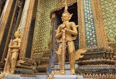 Statua della protezione dell'oro Fotografia Stock Libera da Diritti