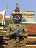Statua della protezione - grande palazzo Immagini Stock Libere da Diritti