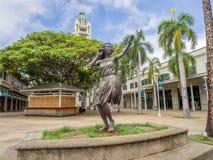 statua della ragazza di hula ad Aloha Tower Marketplace Fotografia Stock Libera da Diritti