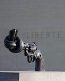 Statua della replica di Non-violence Fotografia Stock Libera da Diritti