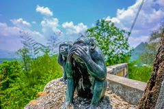 Statua della scimmia della bocca di Closeing fotografia stock libera da diritti