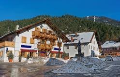 Statua della st Antonius nella via di Garmisch-Partenkirchen Fotografia Stock Libera da Diritti