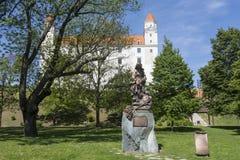 Statua della st Elizabeth dell'Ungheria a Bratislava Fotografia Stock