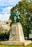 Statua di Alois Jirasek a Praga fotografia stock