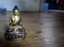 Statua di amoghasiddhi di Buddha Fotografia Stock Libera da Diritti