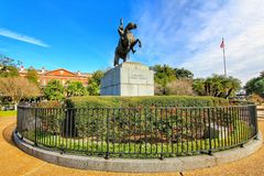 Statua di Andrew Jackson ed appartamenti di Pontalba a New Orleans fotografie stock libere da diritti