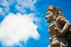 Statua di angelo nel cielo Fotografia Stock Libera da Diritti