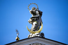 Statua di angelo nel Getreidegasse a Salisburgo immagine stock libera da diritti