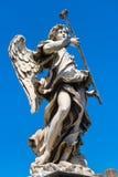 Statua di angelo sul ` Angelo di Ponte Sant a Roma Fotografia Stock Libera da Diritti
