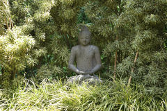 Statua di balinese nella foresta Fotografia Stock Libera da Diritti