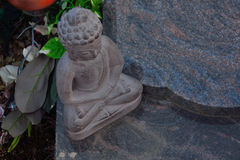 Statua di bello Buddha di pietra Immagini Stock