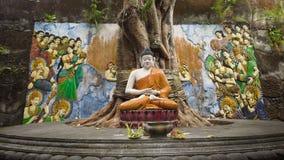 Statua di Buda nell'isola del tempio di Bali immagine stock