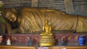 Statua di Buda nell'isola del tempio di Bali Fotografia Stock
