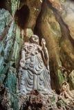 Statua di Budda in montagne di marmo, Vietnam Fotografie Stock