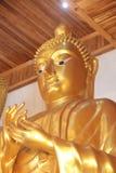 Statua di Buddha al tempio di baccano di Khao, Chaserngsao, Tailandia fotografia stock libera da diritti