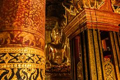 Statua di Buddha al tempio di Wat Phumin Nan Province Thailand fotografia stock