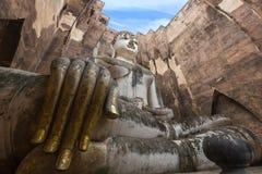 Statua di Buddha in castello antico Fotografie Stock