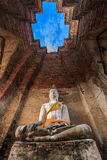 Statua di Buddha in castello antico Immagine Stock