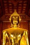 Statua di Buddha dell'oro Immagini Stock