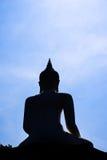 Statua di Buddha della siluetta Fotografie Stock Libere da Diritti