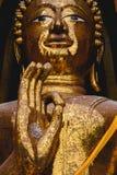 Statua di Buddha di posizione di benedizione Fotografie Stock