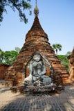 Statua di Buddha nel lato del paese, Myanmar Fotografia Stock Libera da Diritti