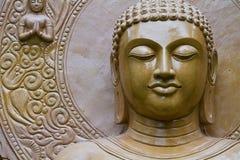 Statua di Buddha in pagoda Fotografie Stock