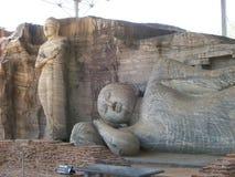 Statua di Buddha sul ` Sri Lanka di gallone-vihara del ` del sito di eredità fotografia stock