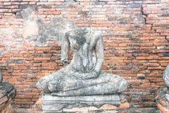 Statua di Buddha in tempio antico pubblico Fotografie Stock
