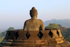 Statua di Buddha in tempio di Borobudur a Yogyakarta, Java, Indonesia fotografia stock