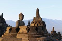 Statua di Buddha in tempio di Borobudur a Yogyakarta, Java, Indonesia immagine stock