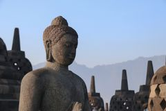 Statua di Buddha in tempio di Borobudur a Yogyakarta, Java, Indonesia Immagini Stock