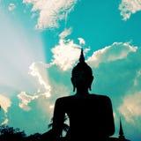 Statua di Buddha in tempio di Sukhothai, Tailandia con retro effetto Fotografie Stock