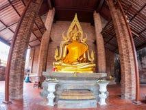Statua di Buddha a Wat Yai Chaimongkol Chaimongkhon, si Ayutthaya, Tailandia di Phra Nakhon Bello della città storica a buddismo immagine stock libera da diritti