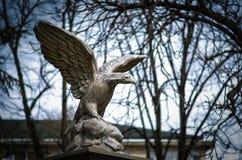 Statua di Eagle nel centro urbano di Blagoevgard fotografia stock