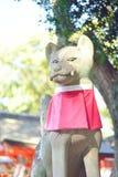 Statua di Fox al santuario di Fushimi Inari a Kyoto Immagini Stock